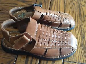 Like New men's size 11 leather docScholls memory fit sandals $15