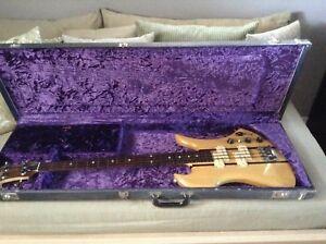 Rare guitar bass . B.C RICH