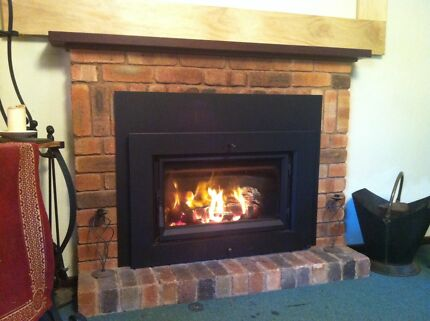 Cosy, quiet home with a warm wood fireplace $155 pw Wanneroo Wanneroo Area Preview