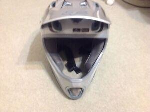 Mtb body armour helmet jacket shin guards Balwyn North Boroondara Area Preview