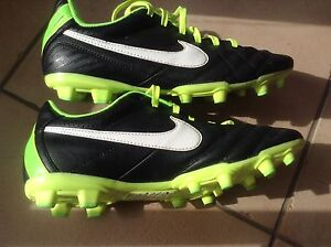 NIKE TEMPO Football Boots US Size 6Y West Lakes Charles Sturt Area Preview