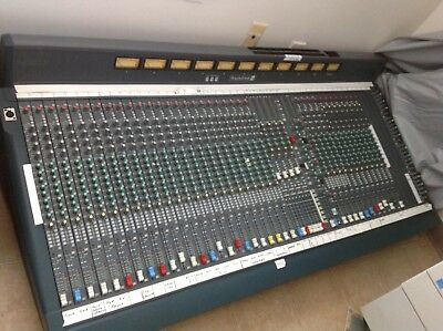 Soundcraft K3 Theater 40 input mixer