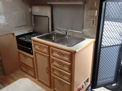Immaculate 2012 Imperial Palace 18 foot Caravan Rankin Park Newcastle Area Preview