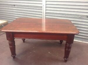 Antique dining table in perth region wa antiques art for 10 seater dining table perth