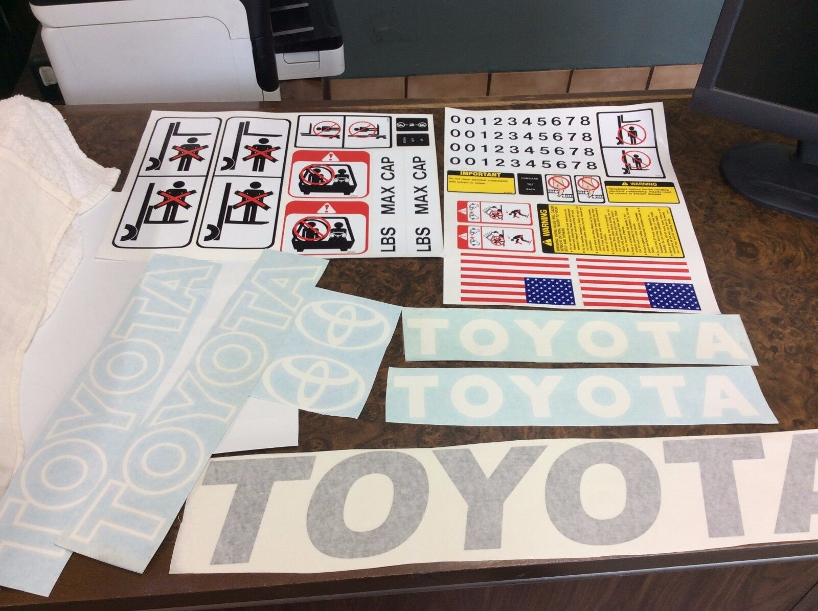 Toyota Forklift Decal Kit Detailed With Safety Decals White And Wiring Harness 8fgu25 3 Of 5 Gray Combo 4