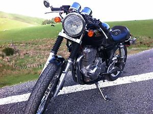 Black-Triumph-Thruxton-headlight-grille-guard-7-inch-Cafe-vintage