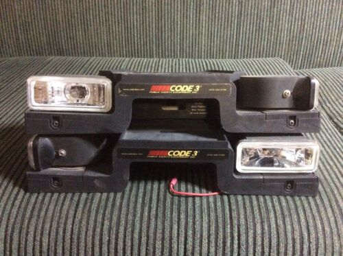 Code 3 Led 2100/2700 Light bar Mounting Feet with Alley Lights