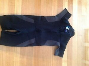 Wetsuit New size L Winmalee Blue Mountains Preview