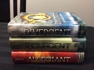 Veronica Roth Divergent hardcover set