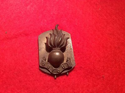 METAL MILITARY CAP BADGE WITH UBIQUE ON IT for sale  Shipping to Ireland