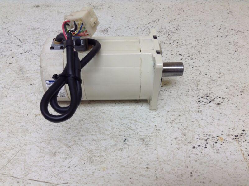 Bosch Indramat MMD082A-030-EG0-KN Servo Motor 116 V 0.75 kW MMD082A030EG0KN