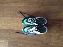 Size 5 green and black soccer boots Whitebridge Lake Macquarie Area Preview