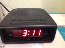 GPX clock radio, AM/FM, dual alarm.  Compact C224B, used but good