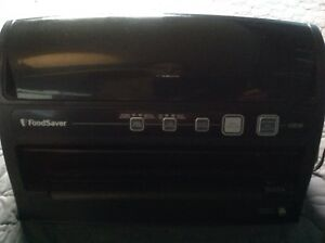 Food Saver V3230 Vacuum sealer system. Black