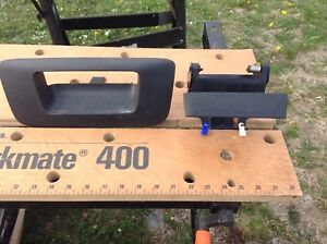 Chevy tail gate handle