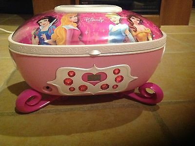 Disney Princess CD Boombox P500B Musical Jewlery Box ()