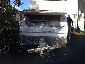 """Caravan Pop up"" Un rego Vintage. Banyo Brisbane North East Preview"