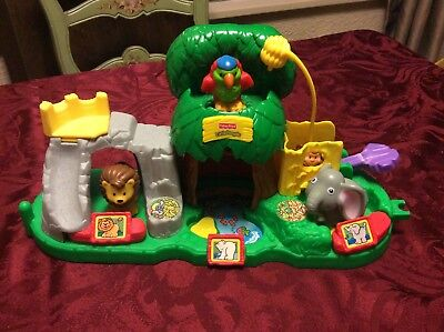 Fisher Price Little People 2001 Zoo Playset w/ 3 Animals