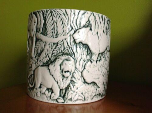 1975 Duncan Ceramic Flower Pot Planter Vintage