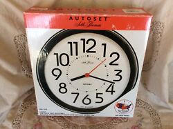 Seth Thomas AUTOSET - Black Plastic Industrial School 8.5 Quartz Wall Clock