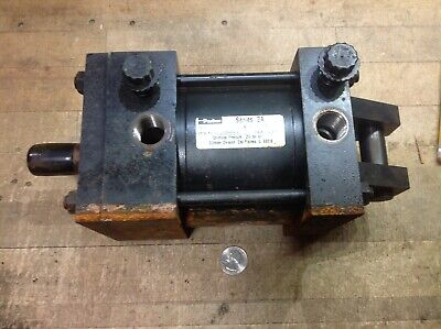Parker Hydraulic Cylinder Series 2 A Model 04.00 Bb2au 18a 2.000 Base Rusty