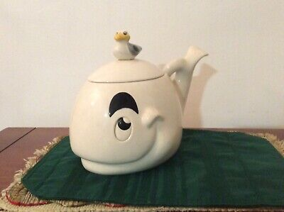 Metlox White Whale with Seagull Cookie Jar MADE IN PoppyTrail CALIF U.S.A.