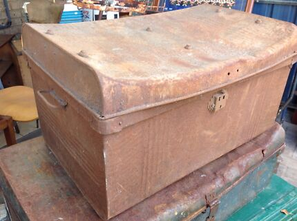 Old rustic trunk with twin handles  Eden Hill Bassendean Area Preview