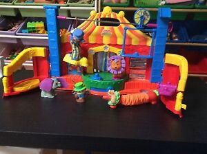 Little people circus