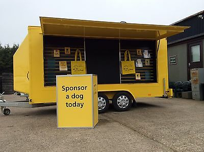 Consumer information Exhibition trailers enable the passing consumer to interact with your event team