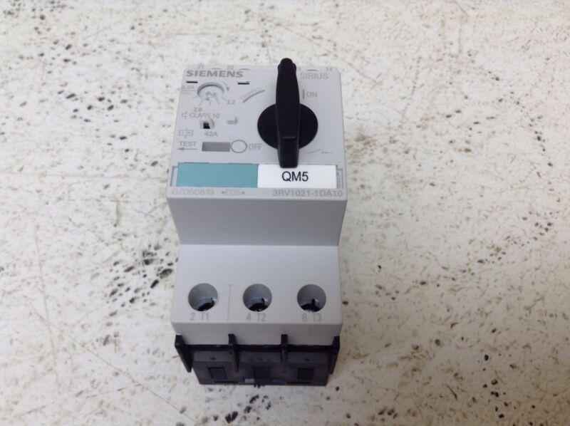 Siemens 3RV1021-1DA10 Motor Starter Protector 2.2-3.2 Amp 3RV10211DA10