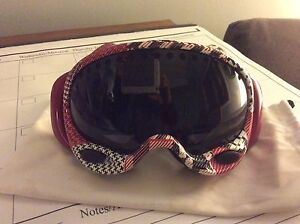Women's Oakley snow board goggles
