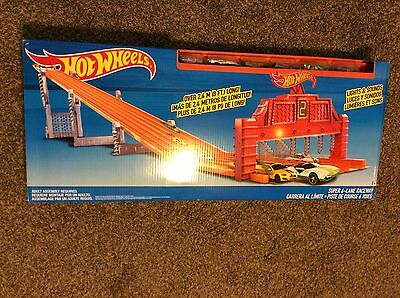 HOT WHEELS SUPER 6 LANE RACEWAY 8 FEET LONG RACE TRACK + 6 CARS BRAND NEW NIB
