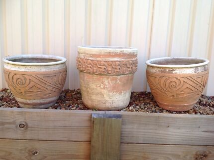 3 Rustic Terracotta Pots sold as a set Daisy Hill Logan Area Preview