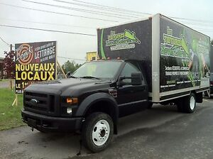 Ford F550 2008 cube 18 pied diesel 102 000 km