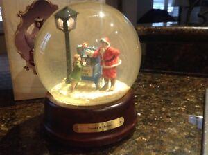"Harley Davidson Snow Globe ""Santa's Helper"""