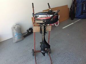Mercury outboard motor 3.3 2 stroke only done 5 hours work Beenleigh Logan Area Preview