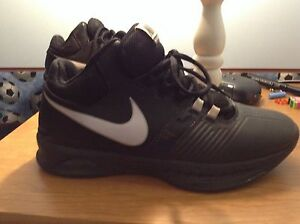 Soulier Nike ados taille 7.5