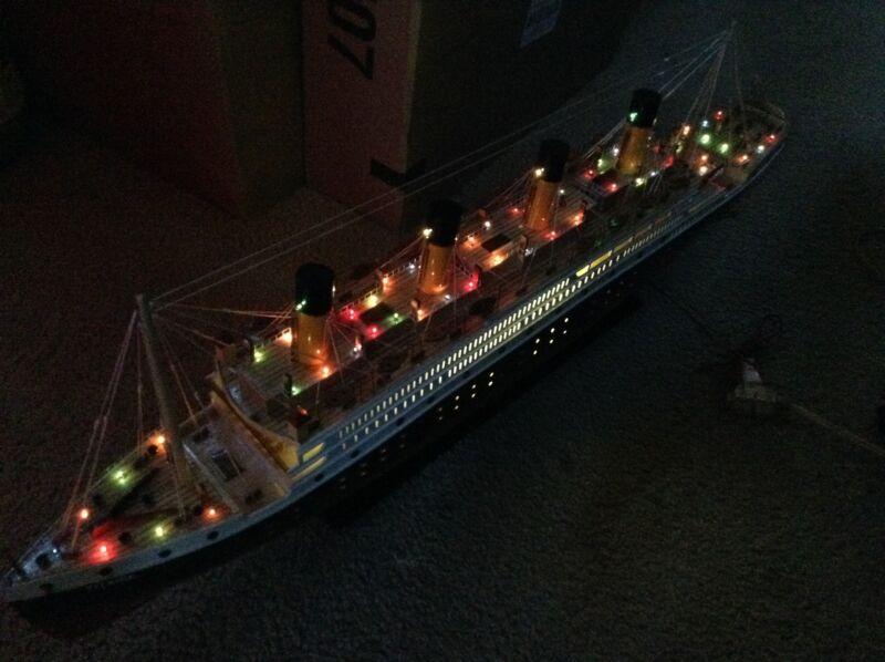 "Titanic wooden model cruise ship with flashing light 40"""