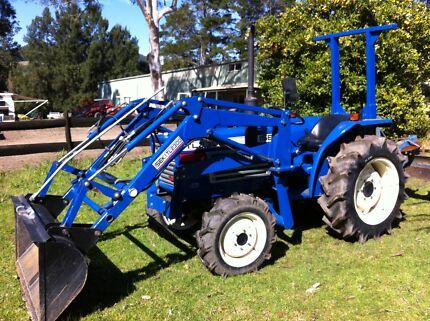 Iseki 30 hp 4x4 front loader bucket 550 hrs Slasher Grader Blade Bemboka Bega Valley Preview