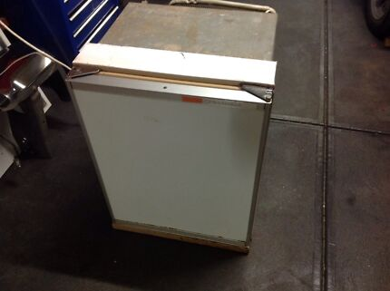 Gas electric fridge Epping Whittlesea Area Preview