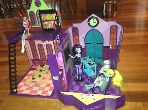 Monster high school set with characters & other items