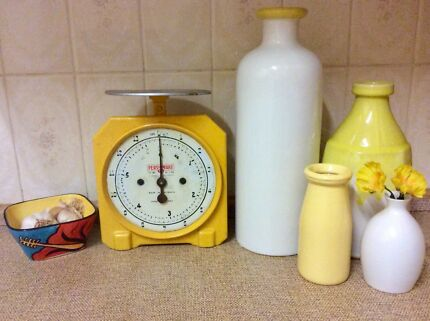 Retro / Vintage 'Persinware'  Kitchen Scale