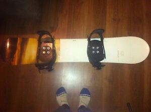 Snowboard with boots and binding 141cm