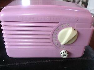 Vintage 1950's General Electric radio