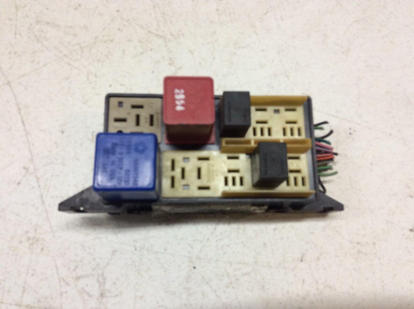 1992-1996 JEEP CHEROKEE FUSE RELAY BOX
