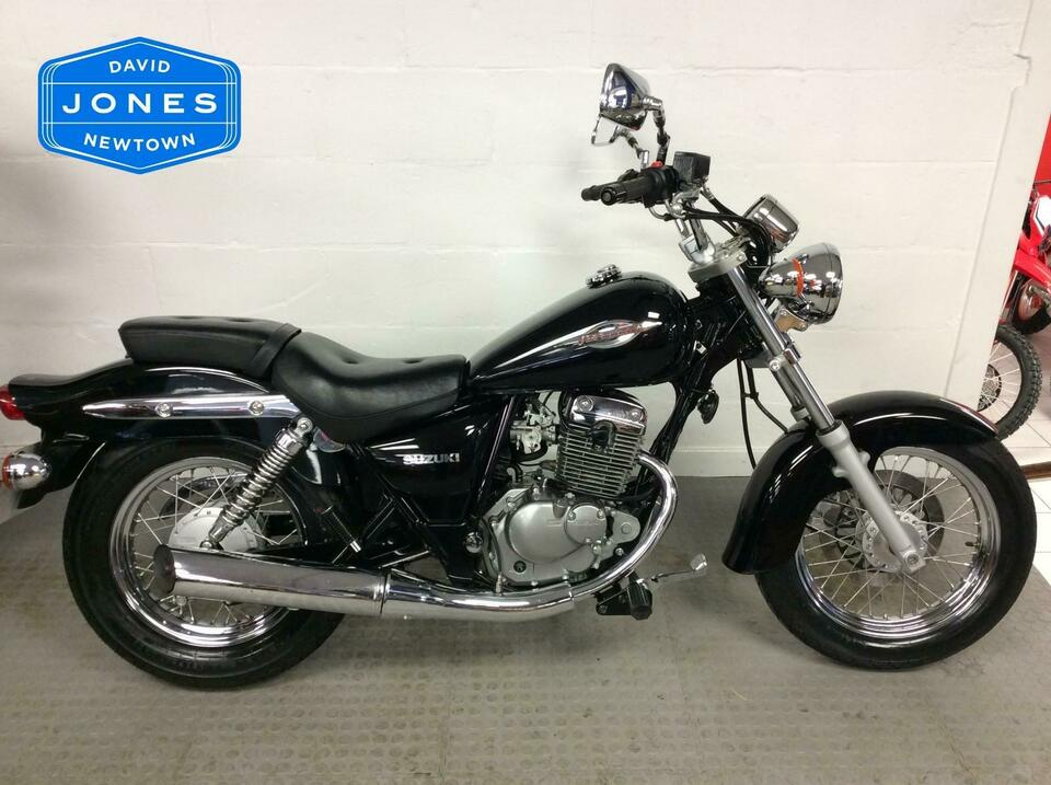Suzuki GZ125 Marauder Custom Cruiser 2011 / 11  - Only 1170 miles from new