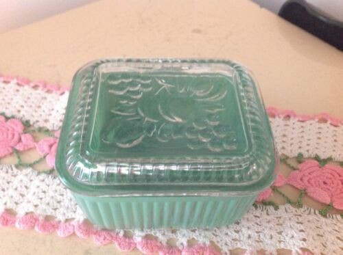Vintage Anchor Hocking Green Refrigerator Dish with Lid