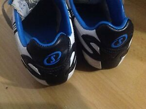 Soccer shoes in very good condition size 1 Thornlie Gosnells Area Preview