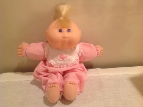 Authentic 1995 CABBAGE PATCH KIDS Doll with Original Clothes and Accessories