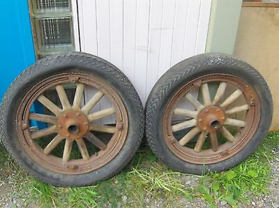 CHEVROLET 1918 RIM WITH TIRE VINTAGE WITH WOOD SPIKES
